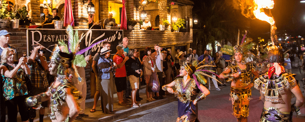 Spectacles, Shows and more at the Art Walk of Los Cabos