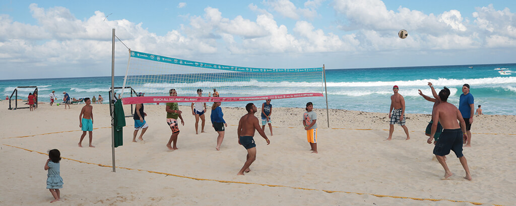 Volleyball at the beach of GR Solaris Caribe - Cancun All Inclusive Resort