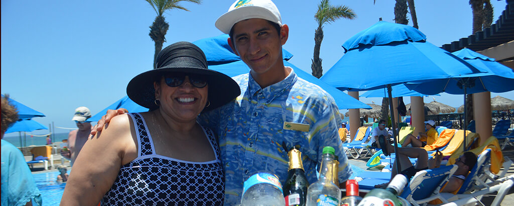 Royal Solaris Los Cabos Mothers Day Bartender Drinks