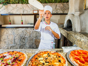 Cabo restaurant Pizzas at Royal Solaris los cabos