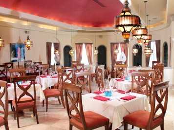 Cancun restaurant Veneto at GR Caribe by Solaris