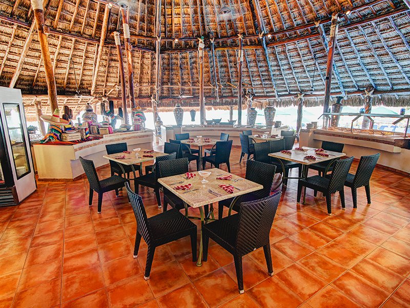 Cancun restaurant Rosmarinus at GR Caribe by Solaris