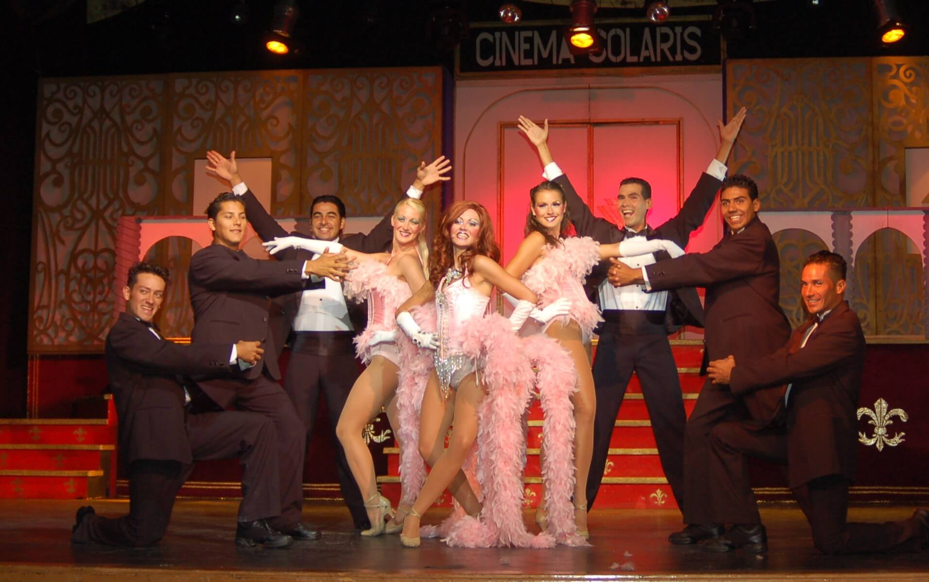 Show boadway style in cancun at royal solaris cancun all inclusive resort
