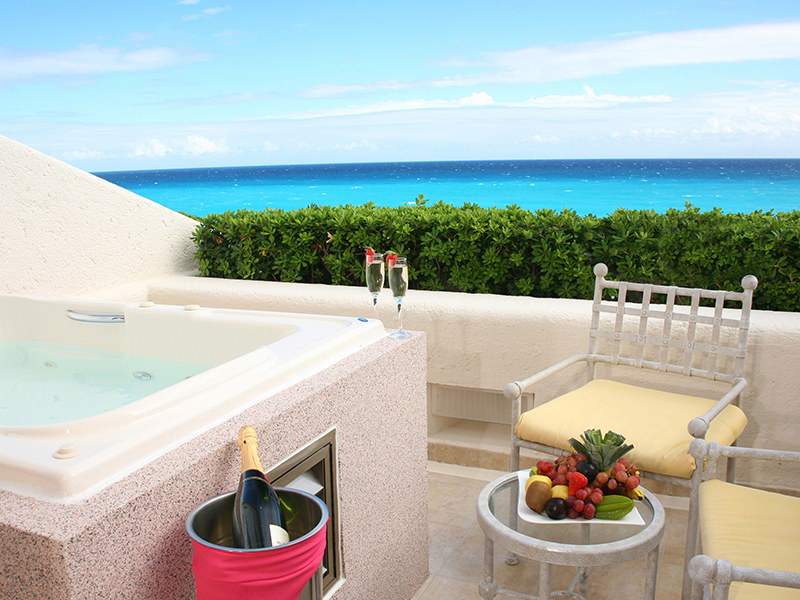 Lagoon view suite with jacuzzi at gr solaris beach and marina all inclusive resorts