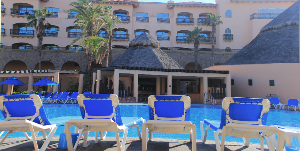 Royal Solaris Los Cabos goes for the Cristal Certificate